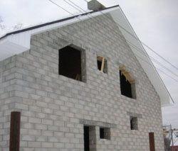 Качественный и недорогой дом из пеноблоков, кирпича, бруса в городе Саранск, можно заказать в нашей компании профессиональных строителей СтройСервисНК